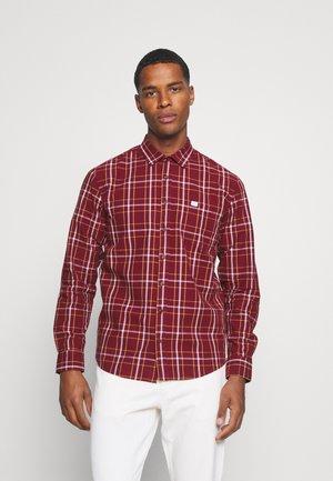 GROVE - Shirt - ruby