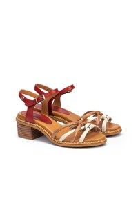 Pikolinos - Sandals - coral - 3
