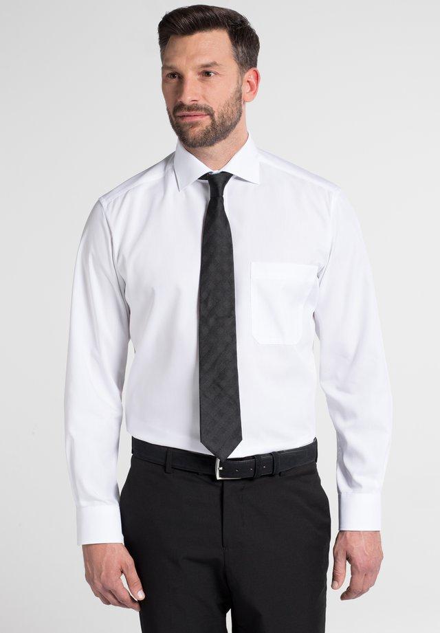 REGULAR FIT - Formální košile - weiß