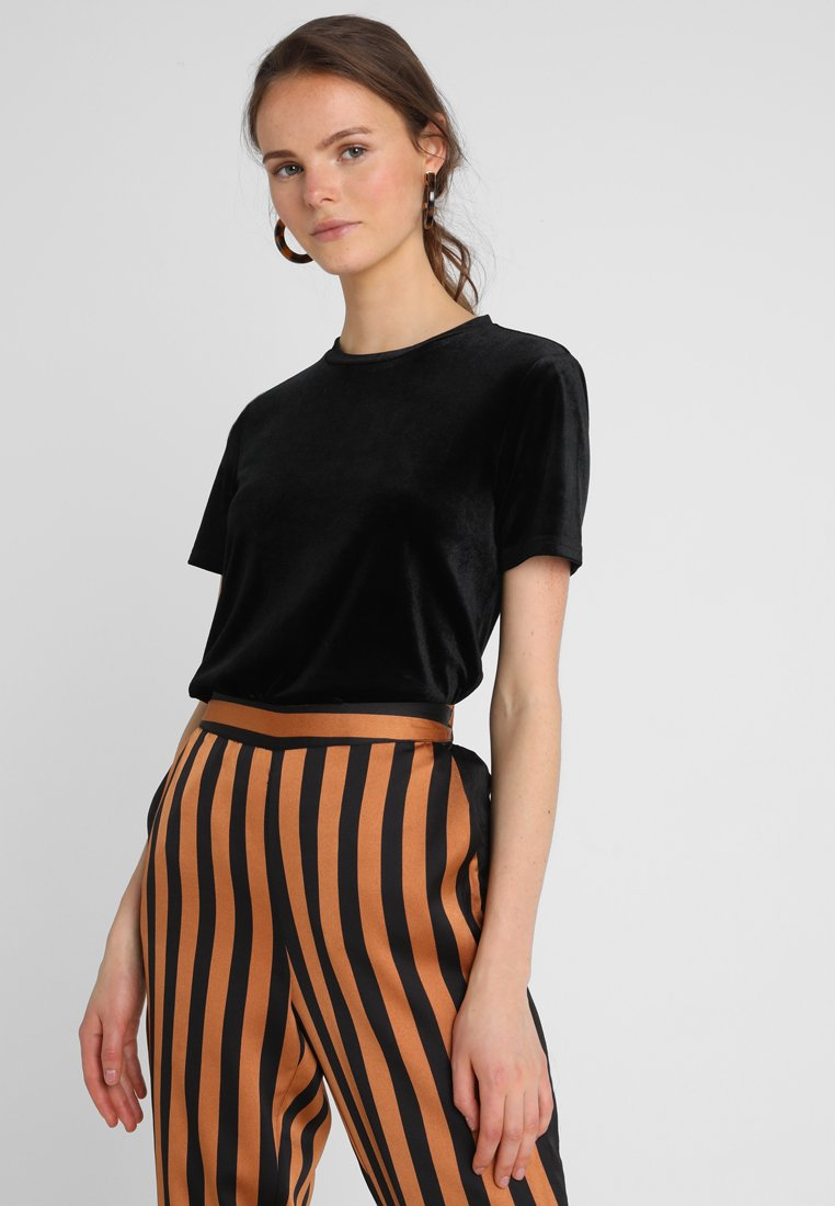 KIOMI - Print T-shirt - black/black
