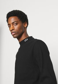 GAP - LOGO MOCK - Long sleeved top - true black - 3