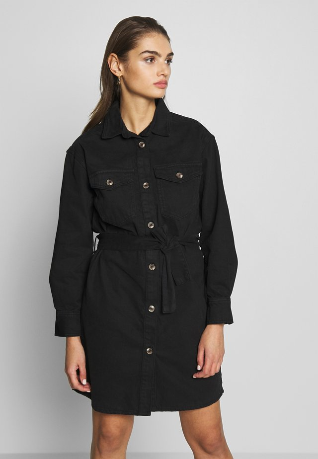 SILJE DRESS - Sukienka jeansowa - black denim