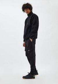 PULL&BEAR - Cargo trousers - black - 3