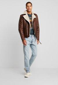Tigha - FALCO - Veste en cuir - dark brown/beige - 1
