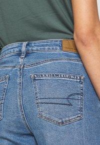 American Eagle - MOM - Jeans slim fit - faded indigo - 4