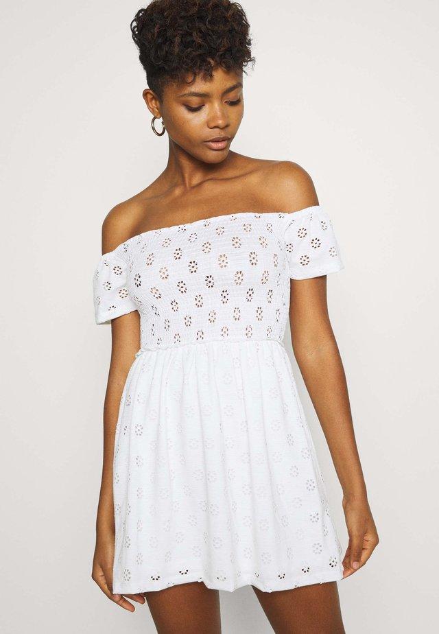 BRODERIE SMOCK DRESS - Jerseykleid - white