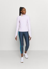 Under Armour - IGNIGHT COLDGEAR FUNNEL - Long sleeved top - crystal lilac - 1