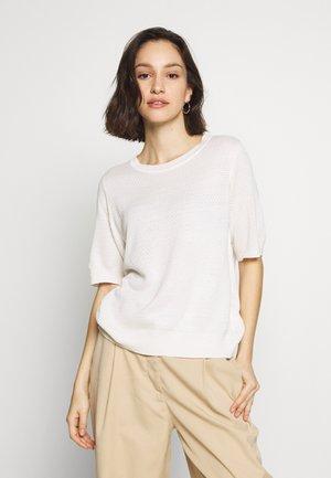 VIMANA KNIT O-NECK 1/2 SLEEVE TOP - Basic T-shirt - white alyssum