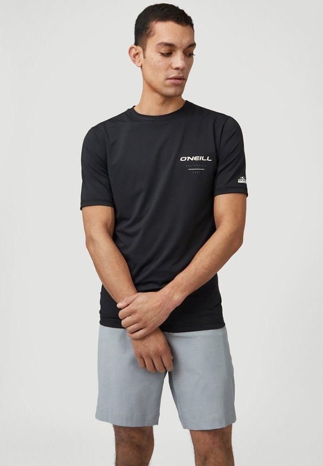 ESSENTIAL - T-shirt de surf - black out
