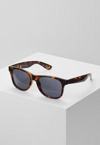 Vans - MN SPICOLI 4 SHADES - Solglasögon - brown - 0