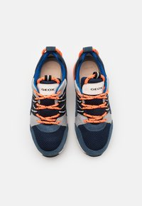 Geox - ALBEN BOY - Sneakers laag - avio/grey - 3