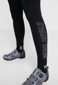 Mons Royale - XYNZ LEGGING - Leggings - black - 3
