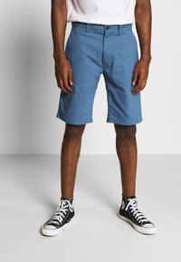 Tommy Jeans - DOBBY CHINO - Shorts - audacious blue - 0