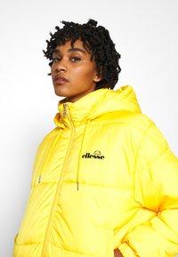 Ellesse - CAMILLA - Zimní bunda - yellow - 4