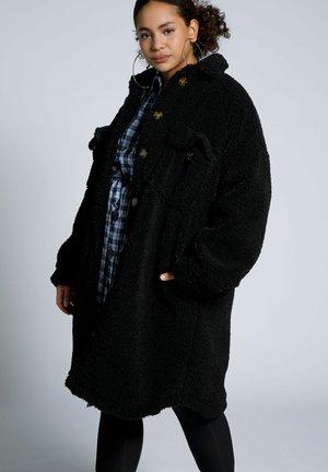 OVERSIZED - Winter coat - zwart