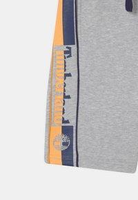 Timberland - Shorts - chine grey - 2