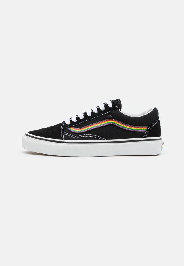 OLD SKOOL PRIDE UNISEX  - Sneaker low - black/multicolor/true white