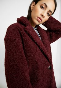 ONLY Tall - ONLALMA COAT - Abrigo - windsor wine - 3