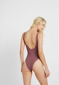 Topshop - SEAMLESS PLUNGE - Body - rust - 2