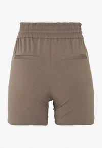 Vero Moda Petite - VMEVA  - Shorts - grey - 1