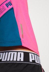 Puma - TRAIN LOGO TEE - T-Shirt print - luminous pink - 4