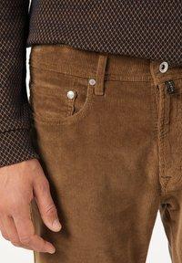 Pierre Cardin - Trousers - hellbraun - 3