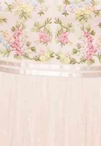 Needle & Thread - EMMA DITSY BODICE CAMI MAXI DRESS - Společenské šaty - strawberry icing - 6