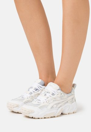GEL NANDI  - Sneakers - glacier grey/cream