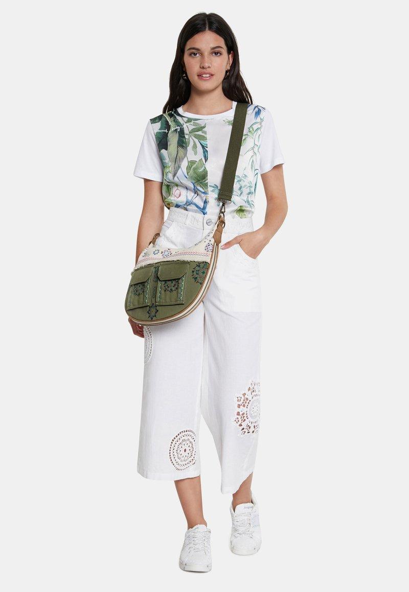 Desigual - BOLS MILIBELLINI SIBERIA - Handbag - green