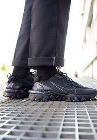 Nike Sportswear - REACT VISION  - Sneakers - black/anthracite - 2