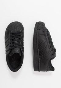 adidas Originals - SUPERSTAR UNISEX - Trainers - core black - 0