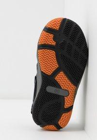 Pax - SAVIOR UNISEX - Sandali da trekking - black - 5