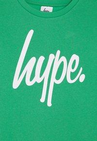 Hype - KIDS CREWNECK SCRIPT - Sudadera - green - 3
