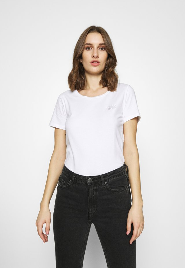 BASICA - Camiseta estampada - bianco ottico