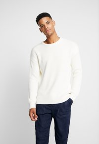 Jack & Jones - JCOSPENCER CREW NECK - Svetr - cloud dancer - 0