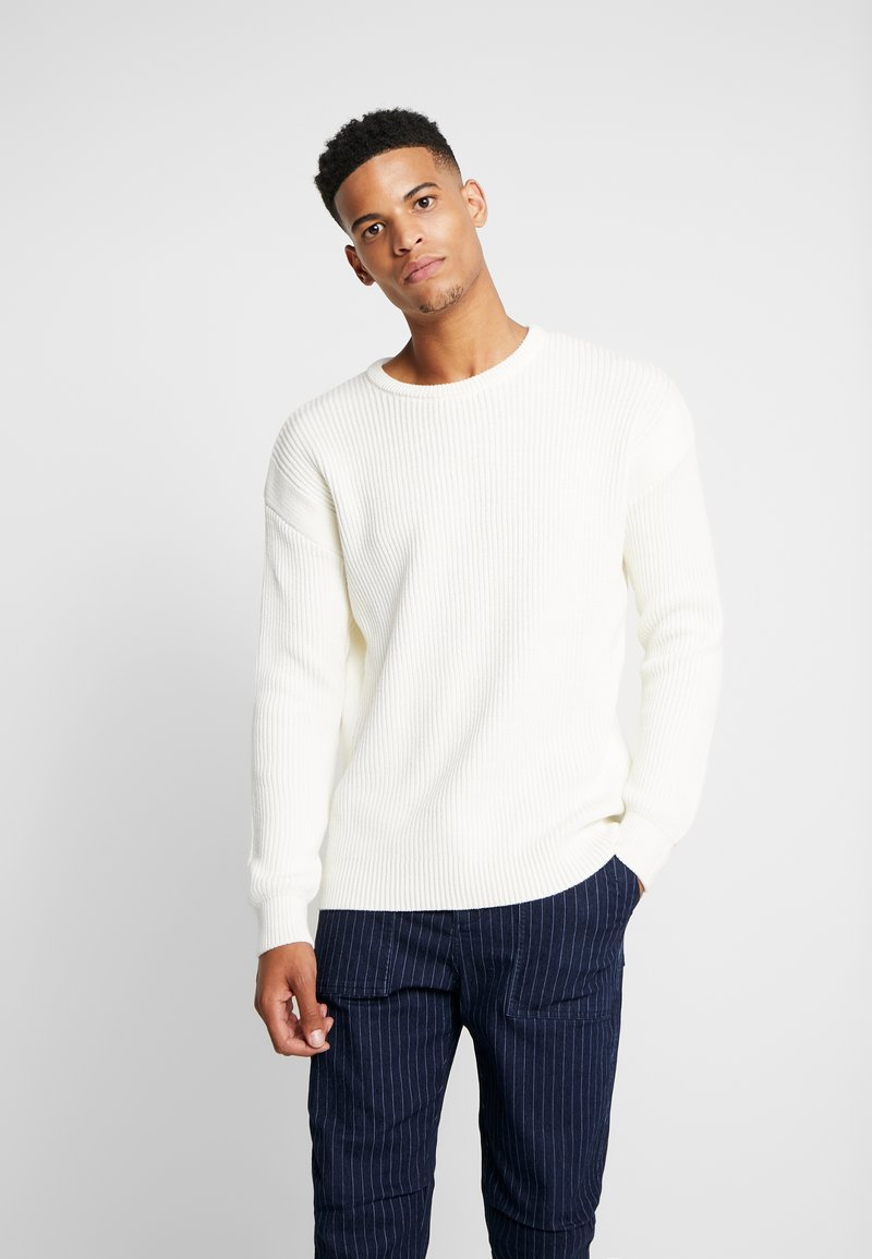 Jack & Jones - JCOSPENCER CREW NECK - Svetr - cloud dancer