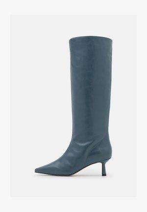 Boots - enio