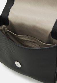 Lacoste - Handbag - noir - 2