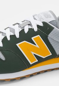 New Balance - 500 - Sneakers - green - 5
