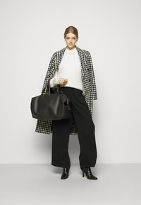 By Malene Birger - ELI TRAVEL - Weekend bag - dark chokolate - 0