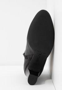 Unisa Wide Fit - UMBRIAWD - Boots à talons - black - 6