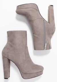 River Island Wide Fit - High heeled ankle boots - grey - 3