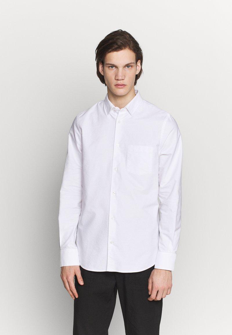 Filippa K - TIM OXFORD - Košile - white