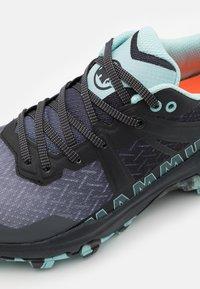 Mammut - SERTIG II LOW WOMEN - Hiking shoes - black/dark frosty - 5