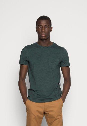 NOS  - Basic T-shirt - dark gable green