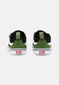 Vans - COMFYCUSH NEW SKOOL UNISEX - Skateschoenen - cactus/black - 2