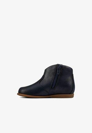 DREW DAWN - Korte laarzen - navy leather