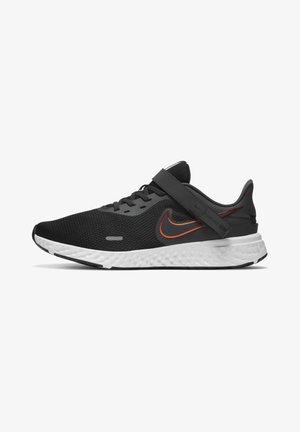 REVOLUTION 5 FLYEASE - Neutral running shoes - black/total orange/gym red/dark smoke grey