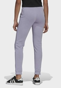 adidas Originals - TRAININGSHOSE - Pantalon de survêtement - grey - 1