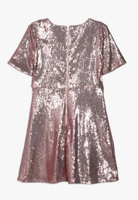 Bardot Junior - SEQUIN DRESS - Vestido de cóctel - silver pink - 1